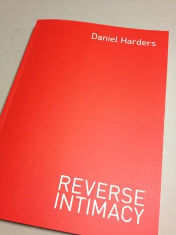 Reverse Intimacy, erschienen im Männerschwarm Verlag – Edition Salzgeber, ISBN/EAN: 9783863005023